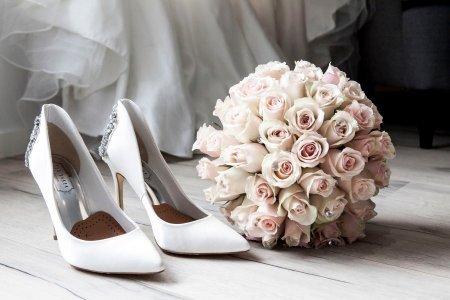 Plan an Inexpensive Wedding