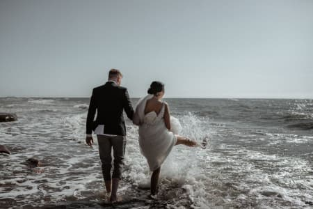 beach wedding on a budget ideas