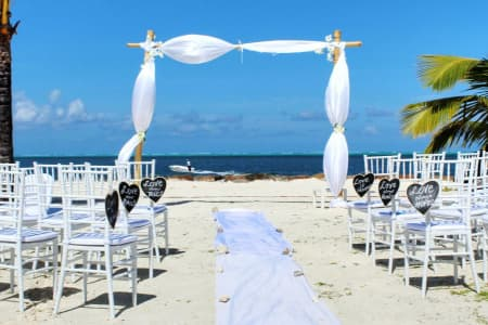 beach weddings abroad on a budget